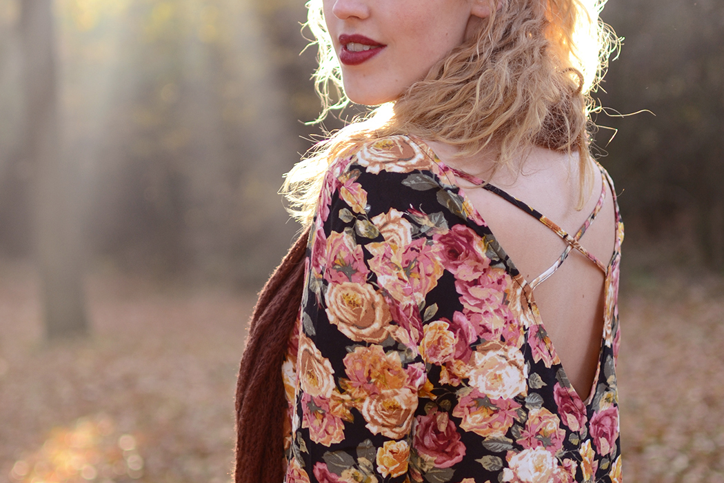 Retromantisch retro romantic fashion blog floral dress Forever 21 scarf vintage roses