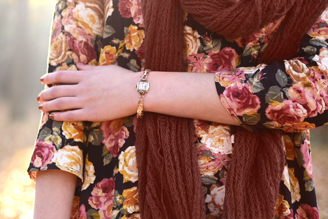 Retromantisch retro romantic fashion blog floral dress Forever 21 scarf vintage watch romantisch