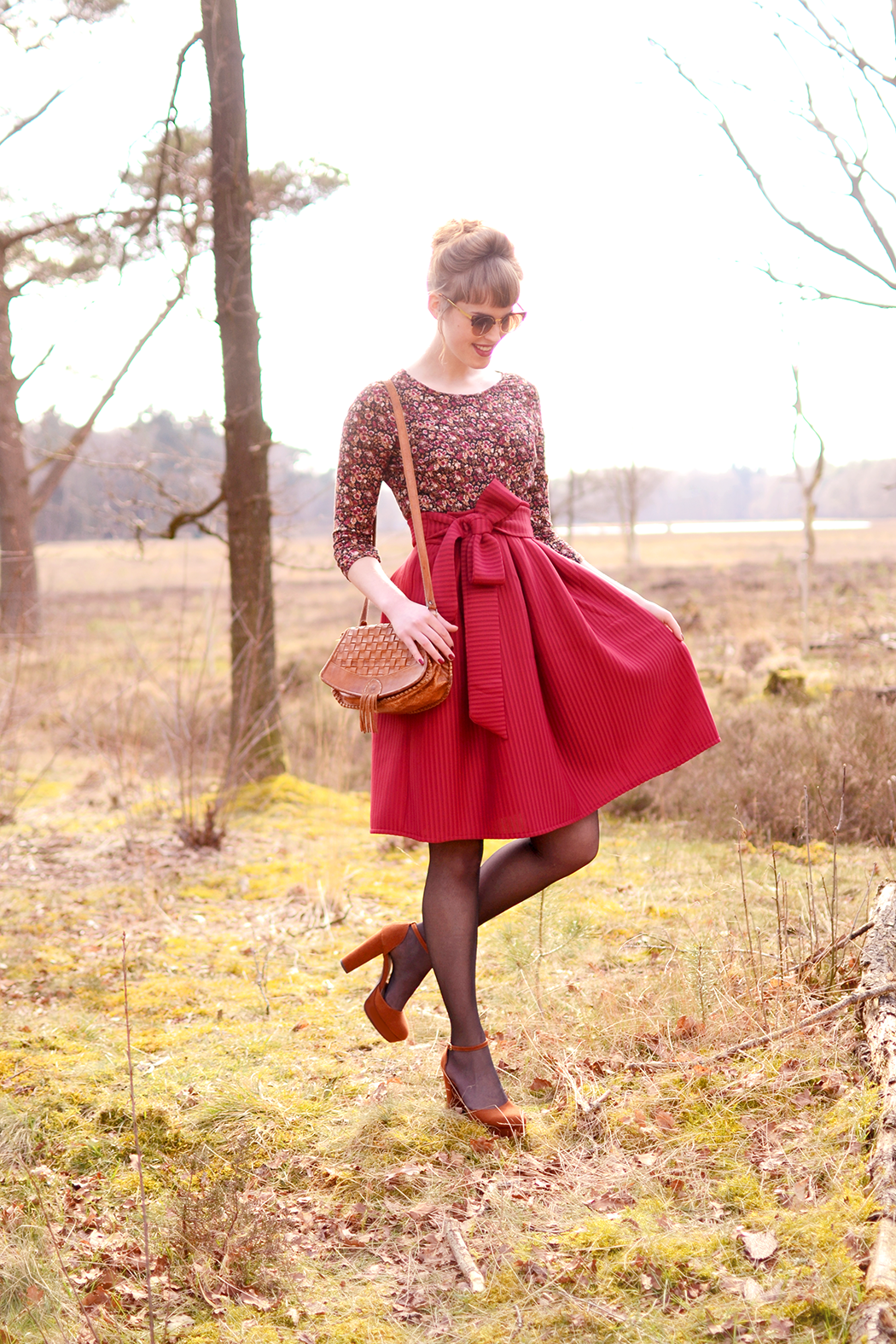 Outfit Red Midi Skirt With Ribbon Retromantisch