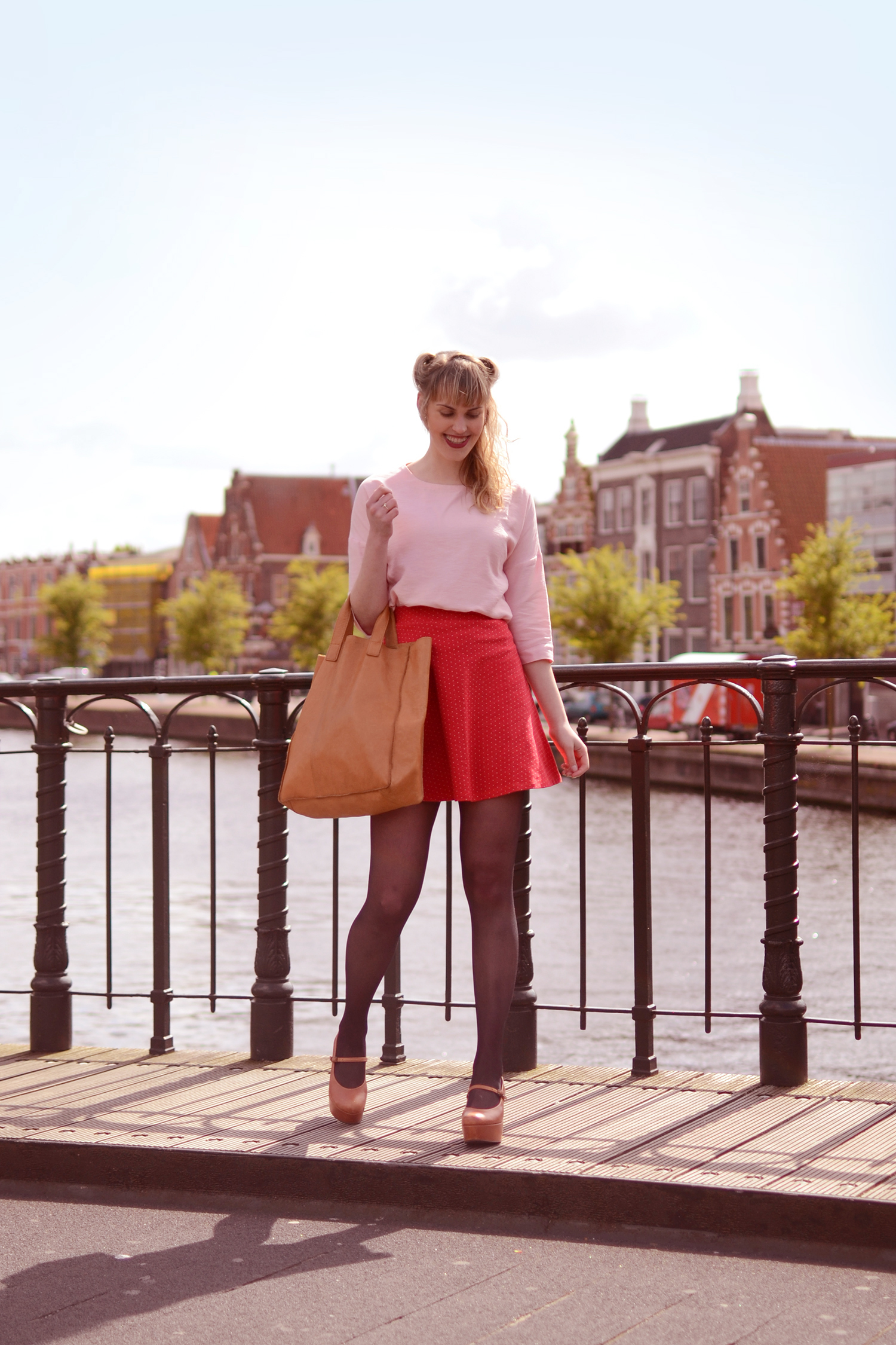 Retromantisch romantisch retro romantic fashion blog vintage style outfit look Wow To Go Who's That Girl WTG sacha wedges ecco paper bag blouse skirt sleehak platforms
