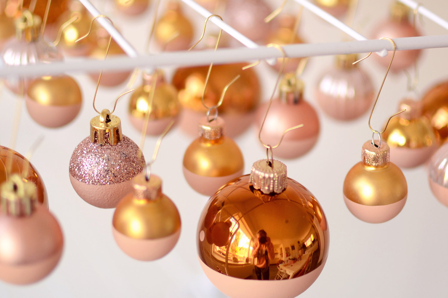 Retromantisch retro romantic blog DIY christmas ball how to paint kerstballen verven
