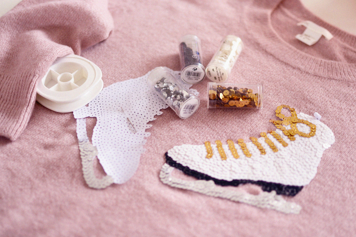 Retromantisch DIY romantic fashion blog sequins pailletten lovertjes schaats skate embroidery retro borduren