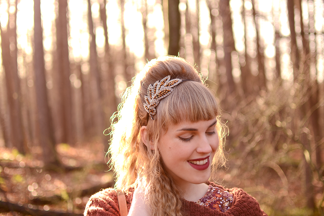 Retromantisch retro fashion blog New Look floral dress cable knit leaf Brandy melville rings arrow headband glitter H&M