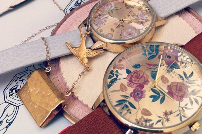 Retromantisch retro romantic fashion blog Olivia Burton watches vintage floral horloges romantisch