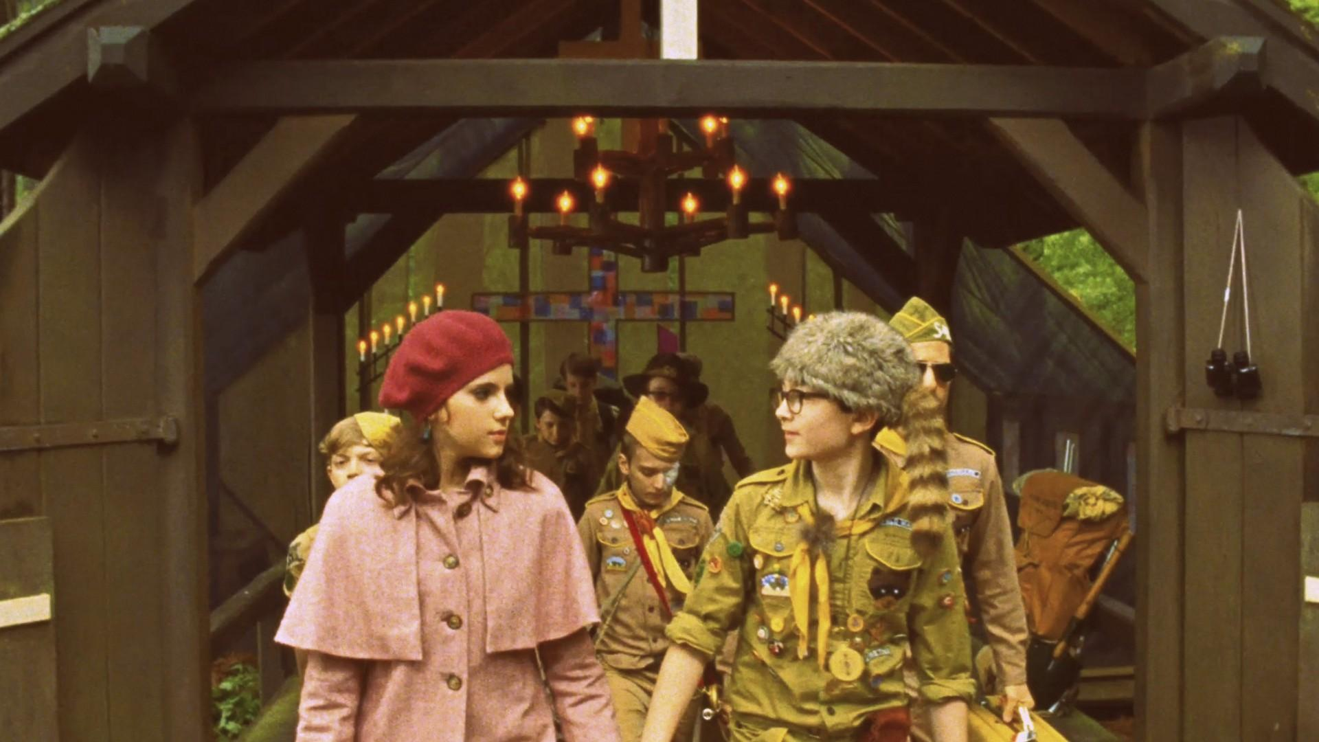 Retromantisch Wes Anderson Moonrise Kingdom Suzy Bishop pink coat red baret