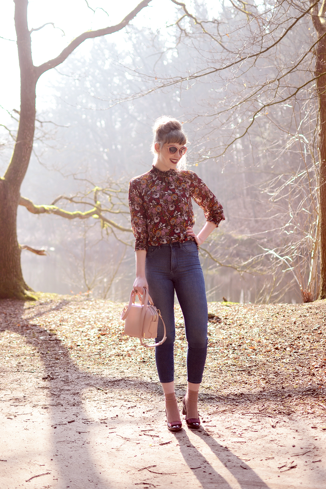 Retromantisch retro romantic fashion blog Zara floral top blouse Alexander Wang mini emile blush bag sunglasses Miu Miu Georgia Rose heels Forever21 socks