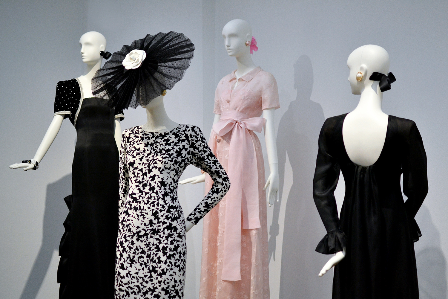 Retromantisch Gemeentemuseum Den Haag Hubert de Givenchy To Audrey with love 2