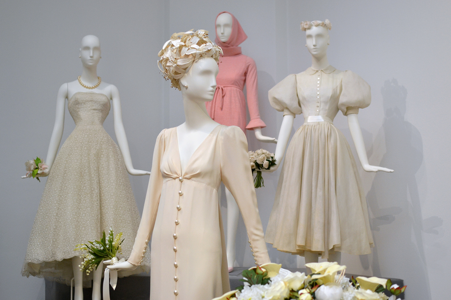 Retromantisch Gemeentemuseum Den Haag Hubert de Givenchy To Audrey with love 4